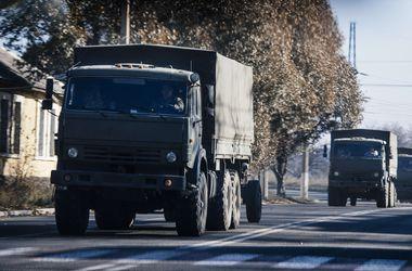 В СНБО показали колонну военной техники под Донецком