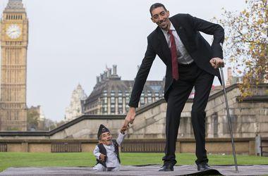 В Лондоне встретились самый маленький и самый высокий человек в мире