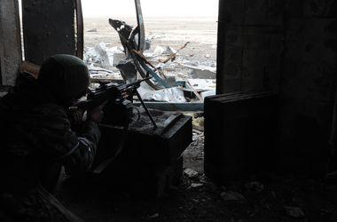 """Боевики пытаются отрезать """"киборгов"""" из Донецкого аэропорта от основных сил АТО"""