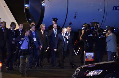 Австралийские чиновники отказались от рукопожатия с Путиным