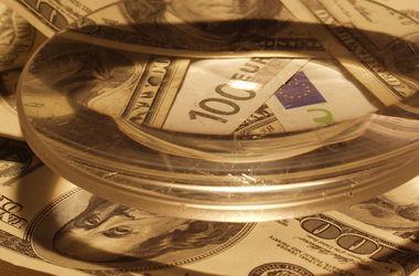 Доллар и евро подешевели в обменниках