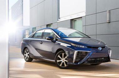 """Toyota представила свой первый водородный автомобиль """"Будущее"""""""
