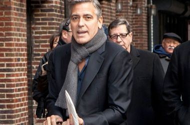 """В специальном выпуске """"Аббатства Даунтон"""" Джорджу Клуни пришлось целоваться с главной героиней"""