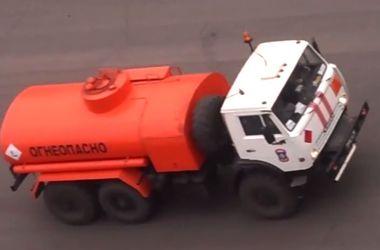 Российский конвой привез боевикам на Донбасс 70 цистерн бензина и ГСМ