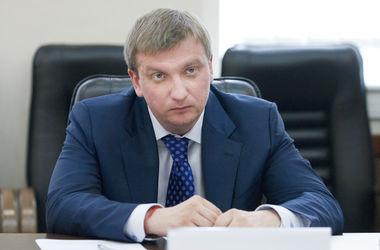 Петренко надеется, что закон о люстрации пересматривать не будут