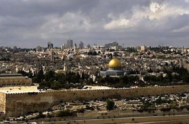 Палестинцы устроили резню в иерусалимской синагоге - пять человек убиты