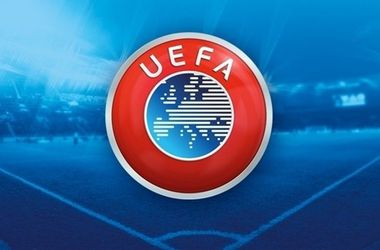 УЕФА в декабре решит, будет ли выдвигать кандидата на пост главы ФИФА