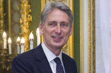 """В МИД Великобритании объяснили, как долго еще ЕС будет """"давить"""" на РФ"""
