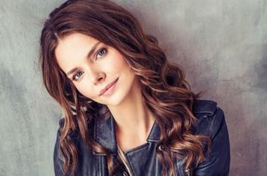 Актриса Лиза Боярская стала блондинкой ради новой роли