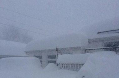 Нью-Йорк завалило снегом