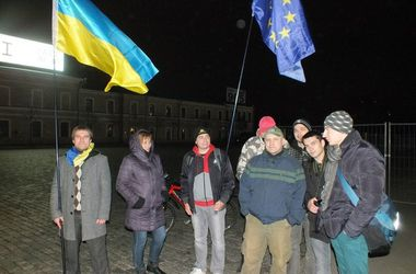 Год после Евромайдана в Харькове: хроника событий и комментарии