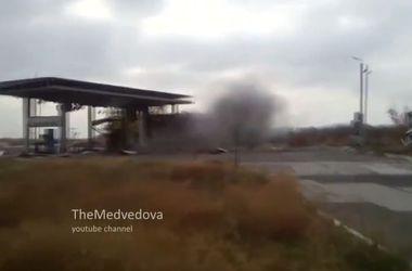 Боевики ради развлечения расстреляли из гранатометов автозаправку под Донецком