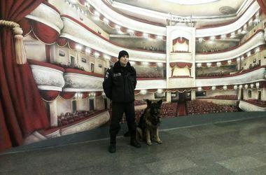 В столичном метро появились милиционеры с собаками