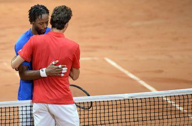 Федерер уступил Монфису в матче Кубка Дэвиса