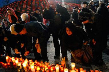 Украина почтила минутой молчания память жертв голодоморов