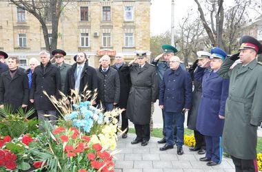 Украинские военные моряки почтили память жертв Голодомора 1932-1933 годов