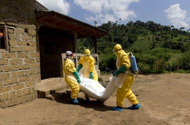 Французские медики вылечили заразившуюся Эболой сотрудницу ООН