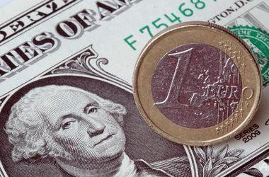 Курс доллара в обменниках просел сразу на 19 копеек