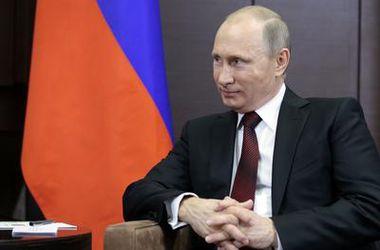 Путин признался, что формирует в Крыму группировку российских войск