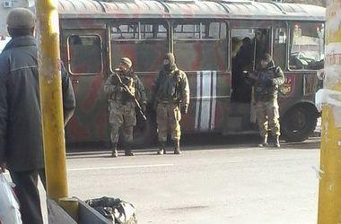 В Днепропетровске автобус с бойцами батальона насмерть сбил мужчину