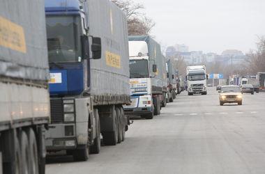 Ринат Ахметов направил усиленную гуманитарную помощь на Донбасс