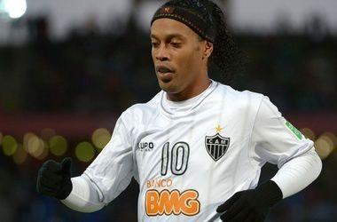 Знаменитый футболист Роналдиньо может перейти в чемпионат Анголы