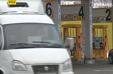 Бензин на отечественных заправках может вскоре подешеветь