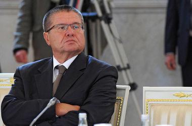 Улюкаев верит, что российская экономика не рухнет из-за резкого падения цен на нефть