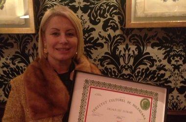 Анна Герман отдаст литературную премию детям Донбасса и бойцам
