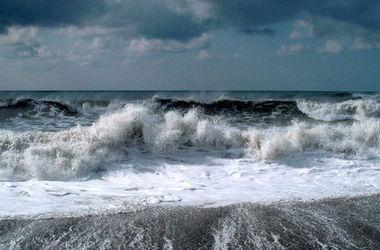 На Крым надвигается шторм и снегопад