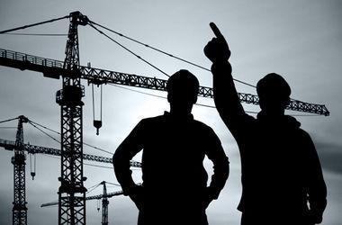 В Харькове незаконно построили ТЦ возле жилого дома