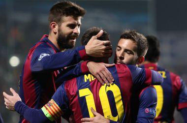 """""""Барселона"""" попросит приостановить запрет на трансферы, чтобы заменить травмированного защитника"""