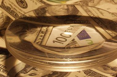 Курсы доллара и евро в России бьют новые рекорды
