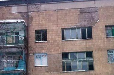 Обстановка в Донецке: воронки, разрушенные квартиры и залпы