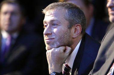 Англичане обвинили Абрамовича в тайной встрече с Блаттером перед выборами страны-хозяйки ЧМ-2018