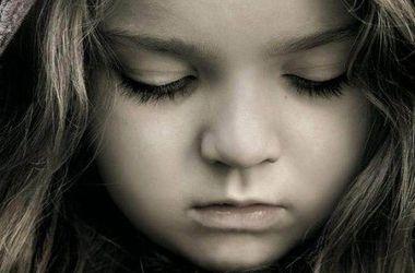 В Черновицкой области подросток изнасиловал трехлетнюю девочку