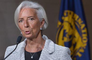 МВФ: Дешевая нефть опасна для России, но поддержит мировую экономику