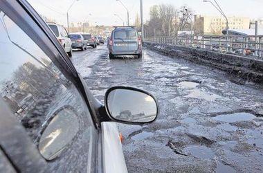 """""""Укравтодору"""" катастрофически не хватает денег на ремонт дорог"""