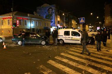 В Харькове произошло ДТП с участием патрульной машины
