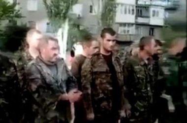 Хирурга, который находится в плену боевиков, увольняют за прогулы