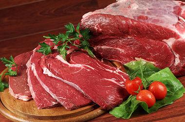 В Харькове незаконно продавали мясо и молочку