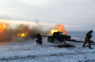 Воины-артиллеристы проводят тактические учения вблизи Мариуполя – Минобороны