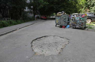 Как заставить киевских торговцев убирать за собой мусор
