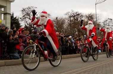 Новый год в Одессе: самый большой рождественский стол и олени на велосипедах