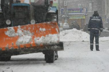 Из Киева за сутки вывезли 56 тонн снега