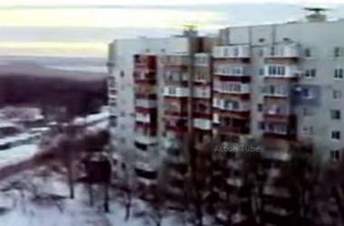 """Жители Донецка сняли, откуда стреляют """"Грады"""" боевиков"""