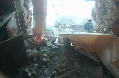 Обстановка в Донецке: погибшие горожане, бои в аэропорту и танковые обстрелы