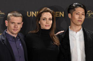 Актеры нового фильма Анджелины Джоли были удивлены ее худобой