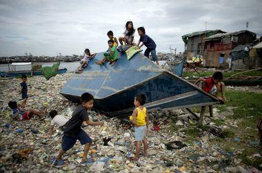 """Тайфун """"Хагупит"""" нанес мощный удар по Филиппинам"""
