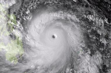 """На Филиппины обрушился тайфун """"Хагупит"""""""